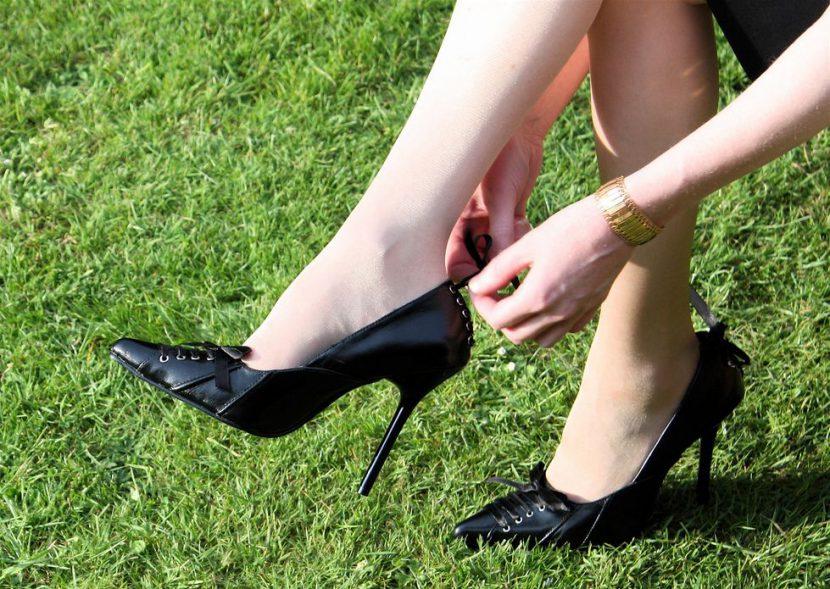 hergun-ayni-ayakkabiyi-giymek